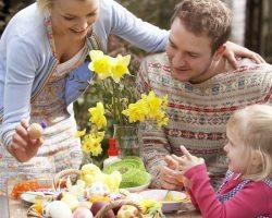Decor de Paște în grădină