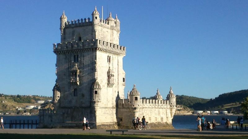 destinații ce merită vizitate Torre de Belem Lisabona
