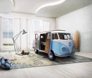 Călătorie în lumea copilăriei cu un ingenios pat-mașină