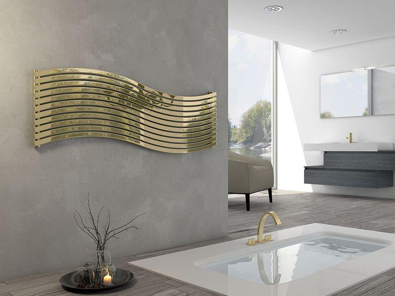 Starea de confort deplin și relaxare este sugerată de liniile sinuoase ale radiatorului Lola Decor, brand Cordivari. Poate fi utilizat în baie sau în alte spații și este disponibil  în versiuni orizontale sau verticale, cu mai multe finisaje și motive imprimate. L 151 x l 45 cm. Foto: Cordivari