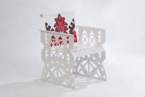 Scaun din setul de mobilier Folclor