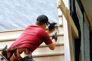 4 lucrări de reparație pe care să le faci în jurul casei, înainte să vină iarna