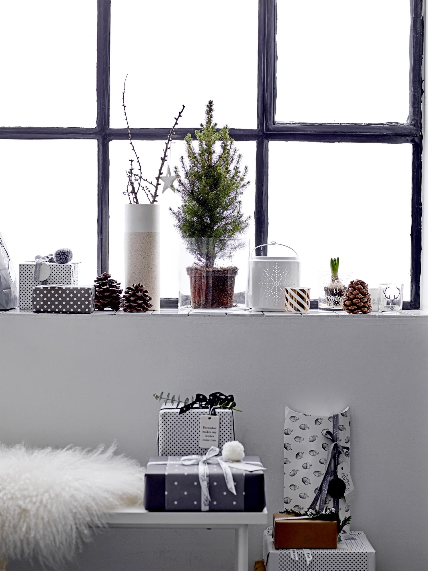 aranjamente de Crăciun la ferestra