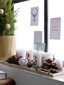 aranjamente de Crăciun cu lumânări numerotate