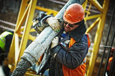 3 avantaje ale ochelarilor de protecție când lucrezi în construcții