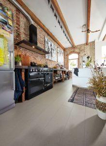 bucătărie industrială cu cărămidă