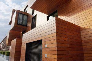 Placari cu lemn la exterior in versiuni de gala