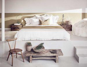 Dormitor rustic cu lemn