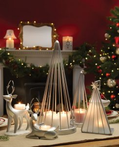 Lumini de Crăciun delicate pentru o atmosferă magică