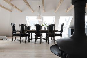 (P) Apartamentul la mansardă – oaza ta de liniște și relaxare