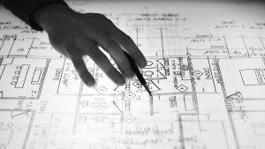 Ce sunt etrierii și care este rolul acestora în structura unei construcții?
